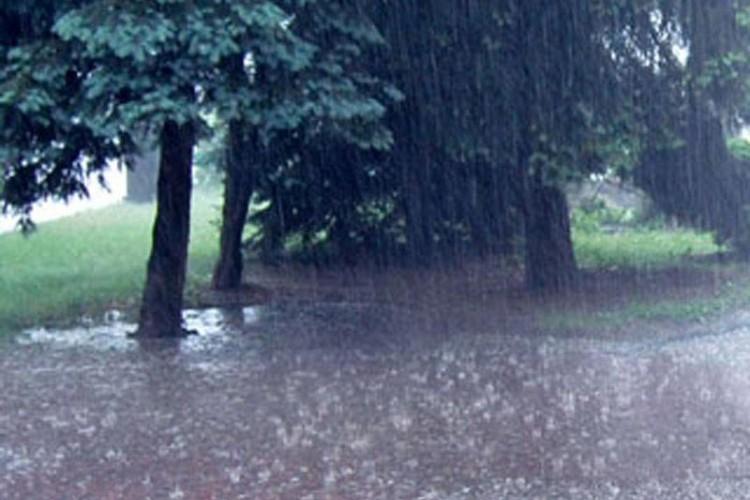 Упозорење на обилније падавине и могућност бујичних поплава