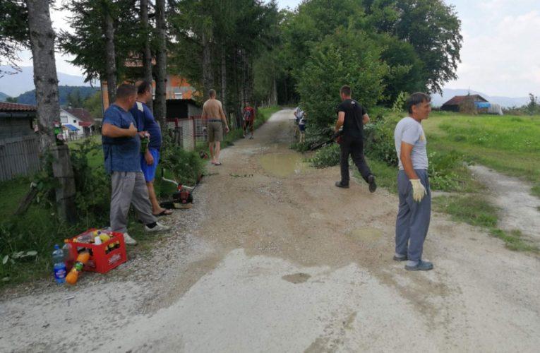 Мјештани Брежђа створили услове за асфалтирање пута