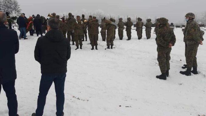 Пуковник Kршић сахрањен уз највише војне почасти