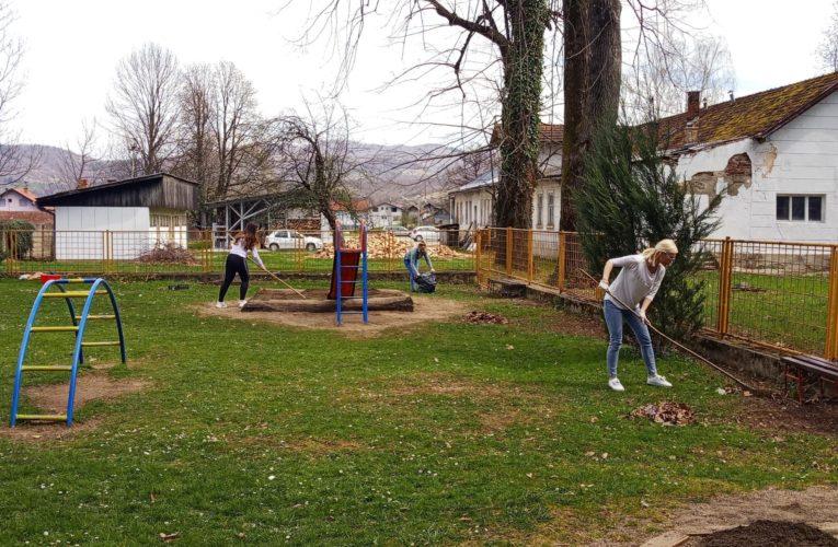 Организована акција чишћења и уређења града